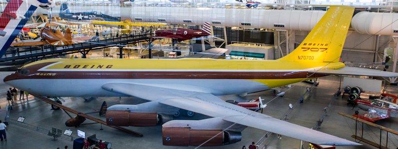 Boeing 367-80 N70700