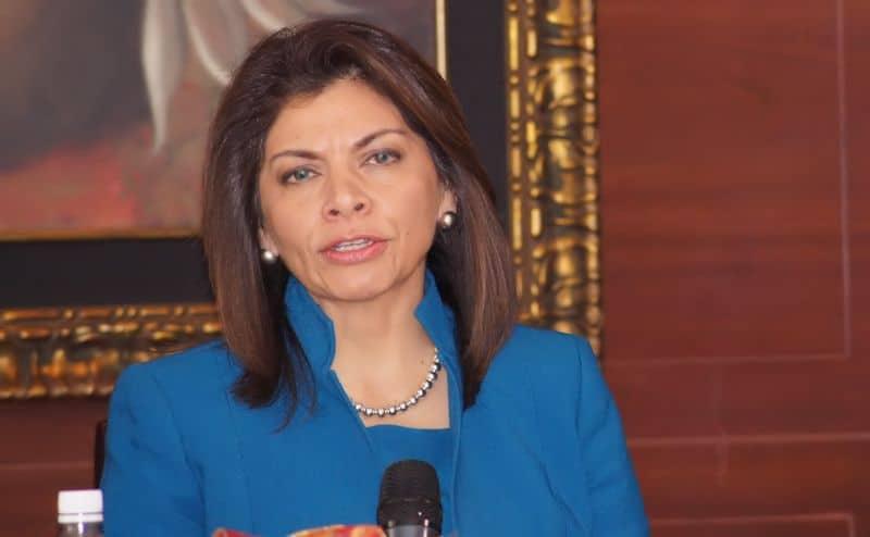 Entrevista Laura Chinchilla: La crisis fiscal puede convertirse en una crisis económica