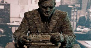 Estatua de Alan Turing en Bletchley Park, realizada por Stephen Ketlle en 2007. Crédito: Richard Gillin