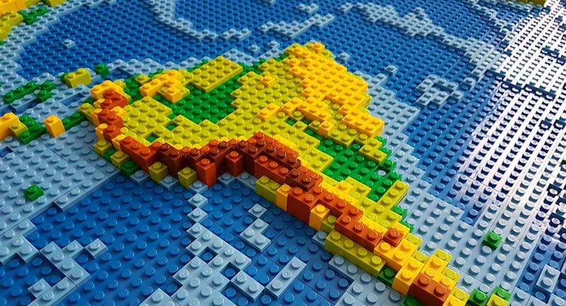 © CC BY 2.0 / dirkb86 / dirks LEGO world map 18 closeup south america