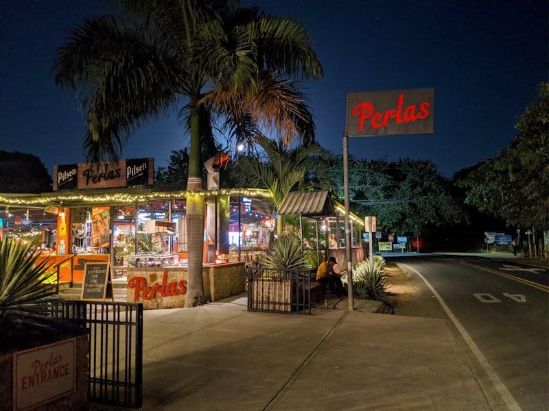 Perlas Bar & Grill